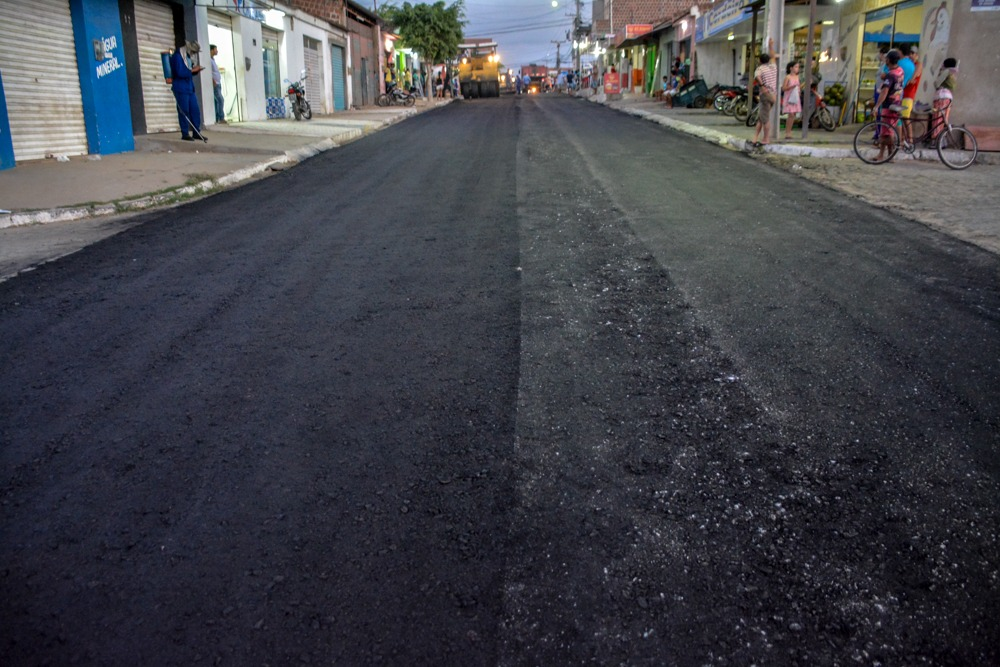 Mais uma etapa da pavimentação de 45 ruas é iniciada em Santa Cruz do Capibaribe