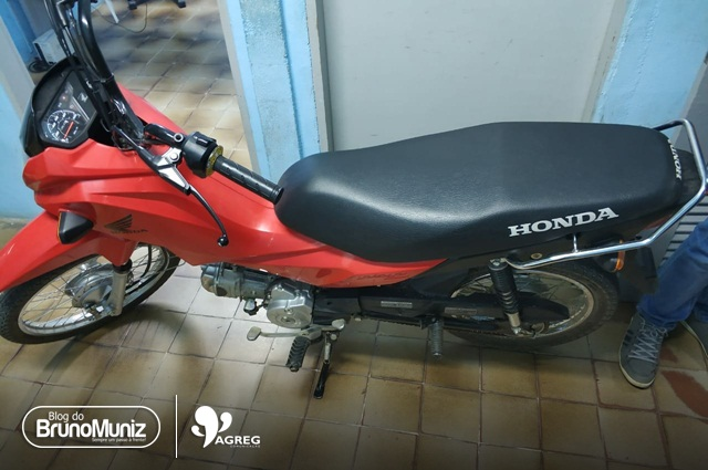 Adolescente é apreendido com motocicleta roubada no Centro de Toritama