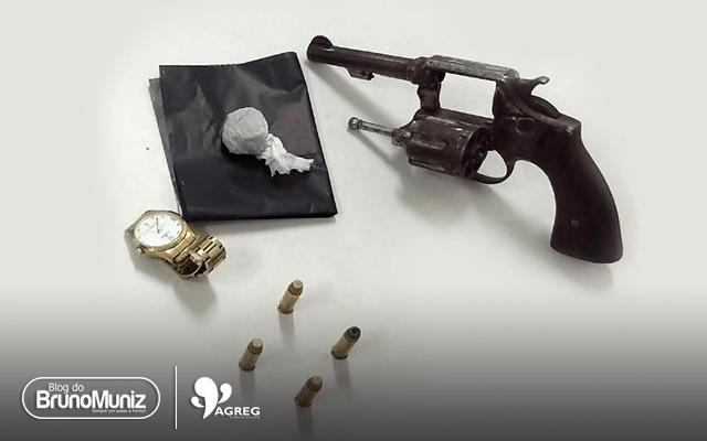 Adolescentes são detidos com arma e drogas em Santa Cruz do Capibaribe