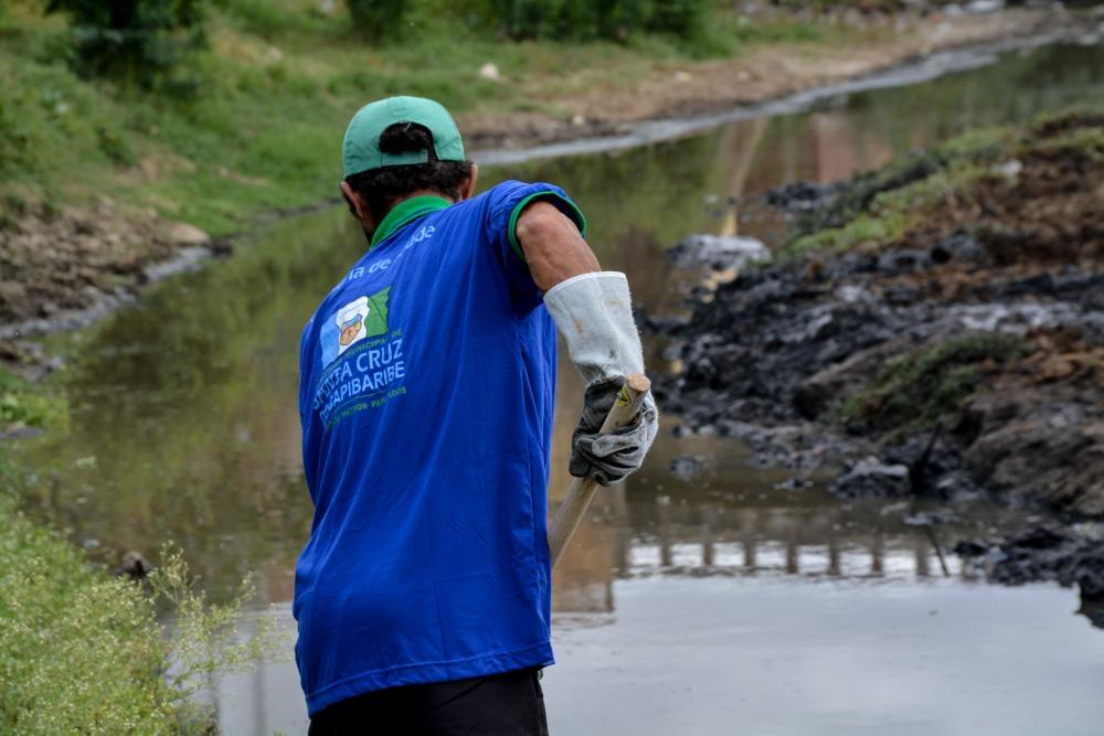 Prefeituras de Santa Cruz do Capibaribe e do Brejo da Madre de Deus realizam limpeza do Rio Capibaribe e Riacho Tapera