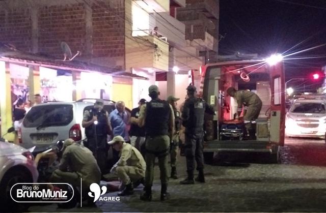 Jovem sofre acidente após PM abrir porta de viatura em Santa Cruz do Capibaribe