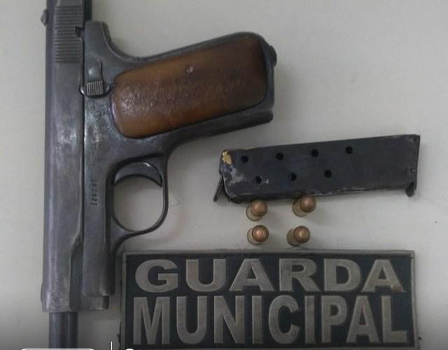 Arma de fogo utilizada em assalto é apreendida pela Guarda Municipal de Santa Cruz do Capibaribe