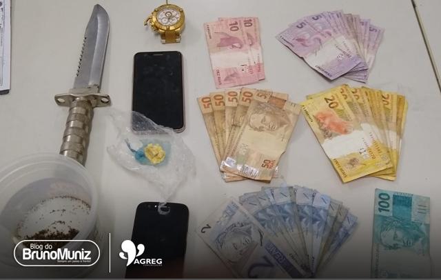 Suposto arrombamento resulta em apreensão de drogas, dinheiro e celulares roubados