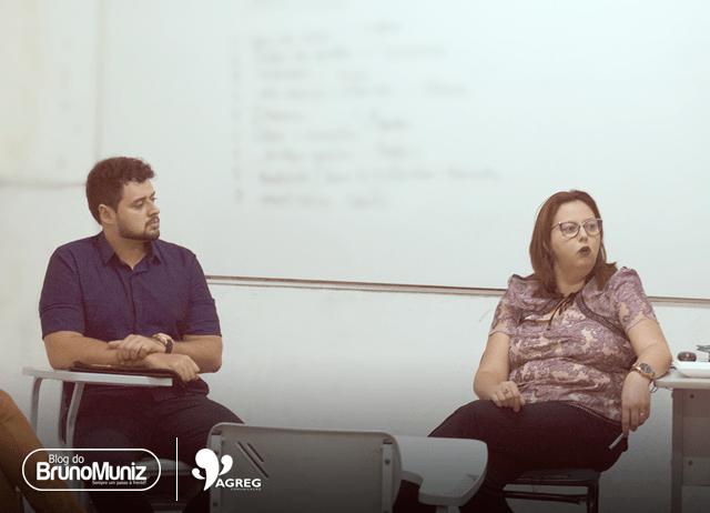 Bruno Muniz ministra palestra sobre carreiras na Faculdade Cesac