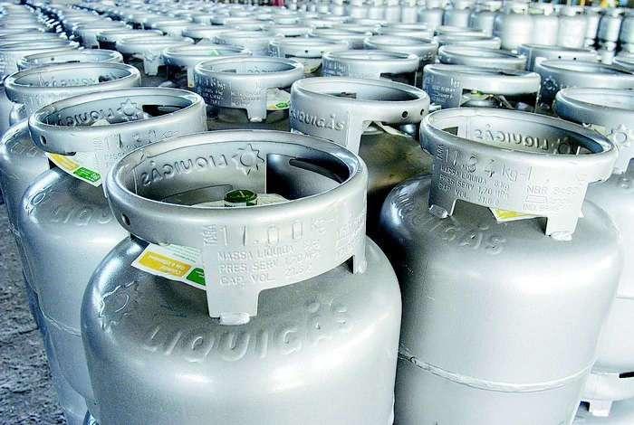 Petrobras anuncia aumento em 8,5% no botijão de gás de cozinha