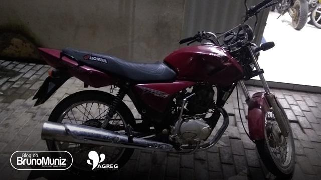 Jovem é detido com motocicleta roubada em Santa Cruz do Capibaribe