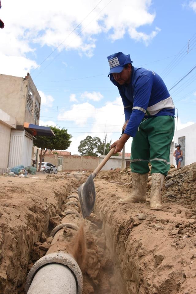 Bairro Acauã recebe obras de saneamento básico