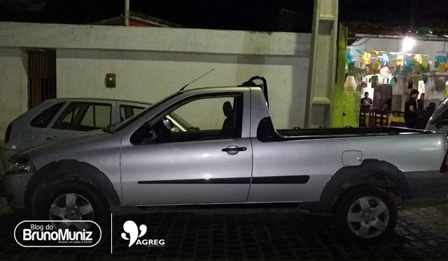 Trio é detido com veículo roubado em São Domingos, distrito de Brejo da Madre de Deus