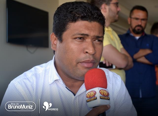 Pernambuco – Deputado Joel da Harpa cobra do governo Câmara aumento para policiais e bombeiros