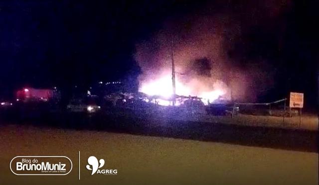Incêndio é registrado em ferro velho de Taquaritinga do Norte