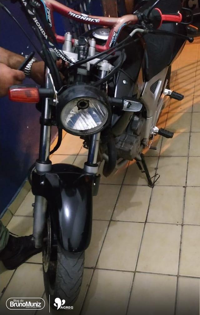 Jovem é detido em posse de motocicleta com chassi raspado no município de Taquaritinga do Norte
