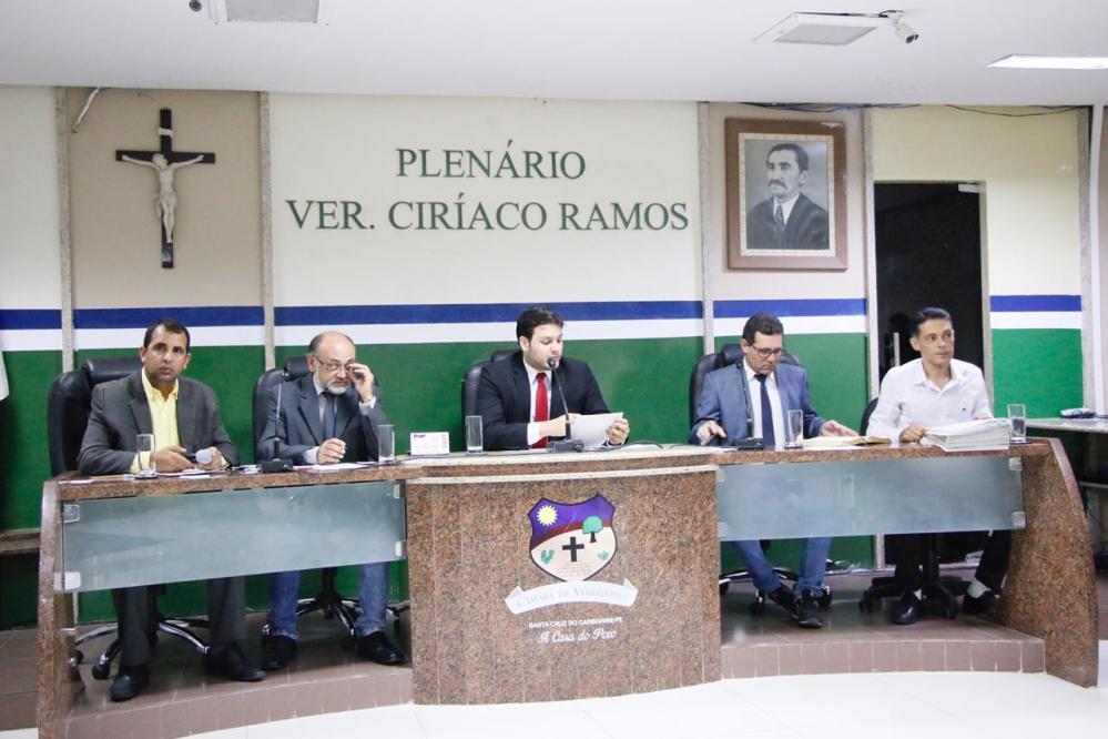 Câmara de Santa Cruz do Capibaribe aprova quatro novas leis municipais