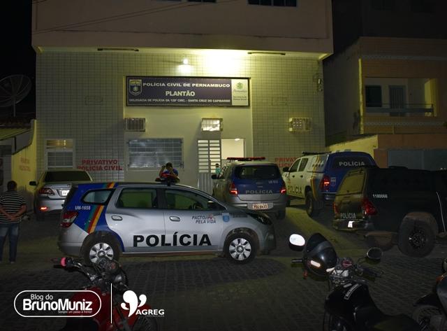 Homem tenta intimidar companheira com tiro para cima e é detido em Santa Cruz do Capibaribe