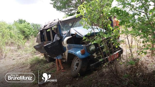 Acidente envolvendo Toyota de lotação é registrado na PE-90