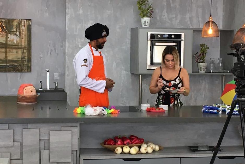 Chef de Santa Cruz do Capibaribe é destaque no programa Cotidiano, da TV Jornal
