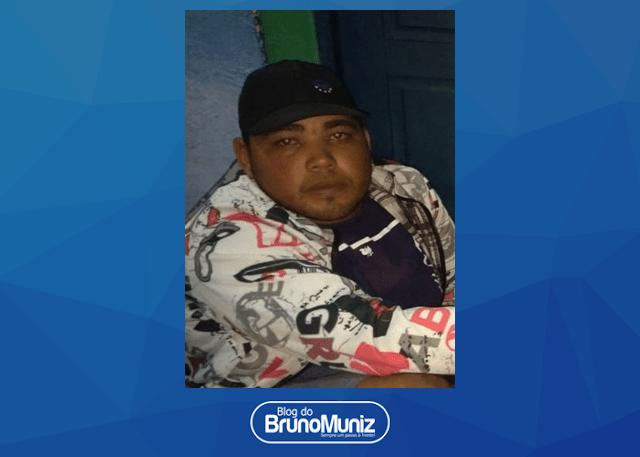 Dois indivíduos são detidos com arma de fogo e motocicleta roubada em Poço Fundo, distrito de Santa Cruz do Capibaribe