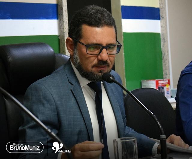 Oposição se mostra desconfortável com suplementação imposta pelo prefeito Edson Vieira