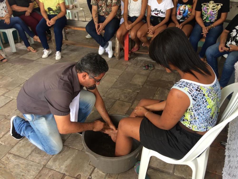 Ceia e lava-pés marcam celebrações da Páscoa nas unidades da Funase