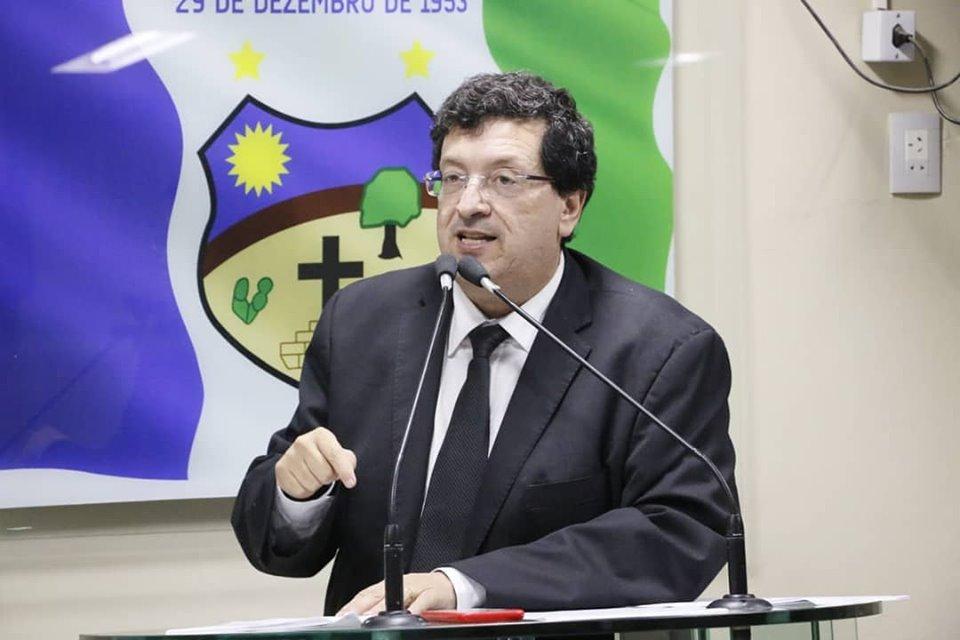 Oposição sustenta que denúncia que resultou na exoneração de Cláudio Soares possui mais envolvidos