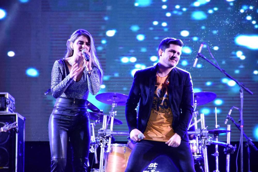 Banda Magníficos encerra a sétima edição do São João da Moda, em Santa Cruz do Capibaribe