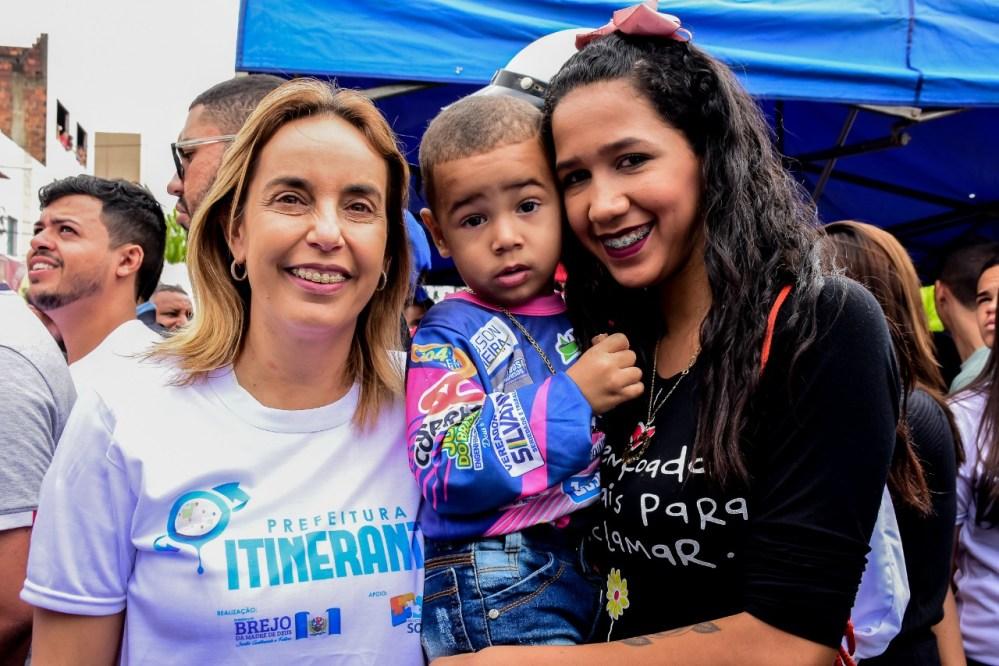 Alessandra Vieira cumpre agenda social em Brejo da Madre de Deus no final de semana
