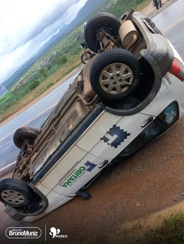 Veículo de Prefeitura de Toritama se envolve em acidente na BR-104
