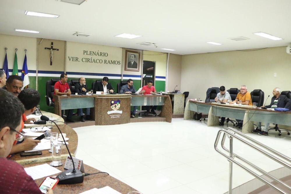 Vereadores aprovam projetos em benefício da população santa-cruzense