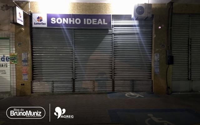 Criminosos arrombam vidraçaria e lotérica em Santa Cruz do Capibaribe