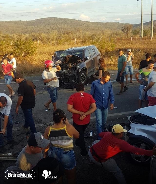 Grave acidente envolvendo três veículos é registrado na BR-104, em Taquaritinga do Norte