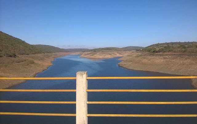 Compesa suspende operação do Sistema Jucazinho para instalação de equipamentos para captar água do volume morto da Barragem
