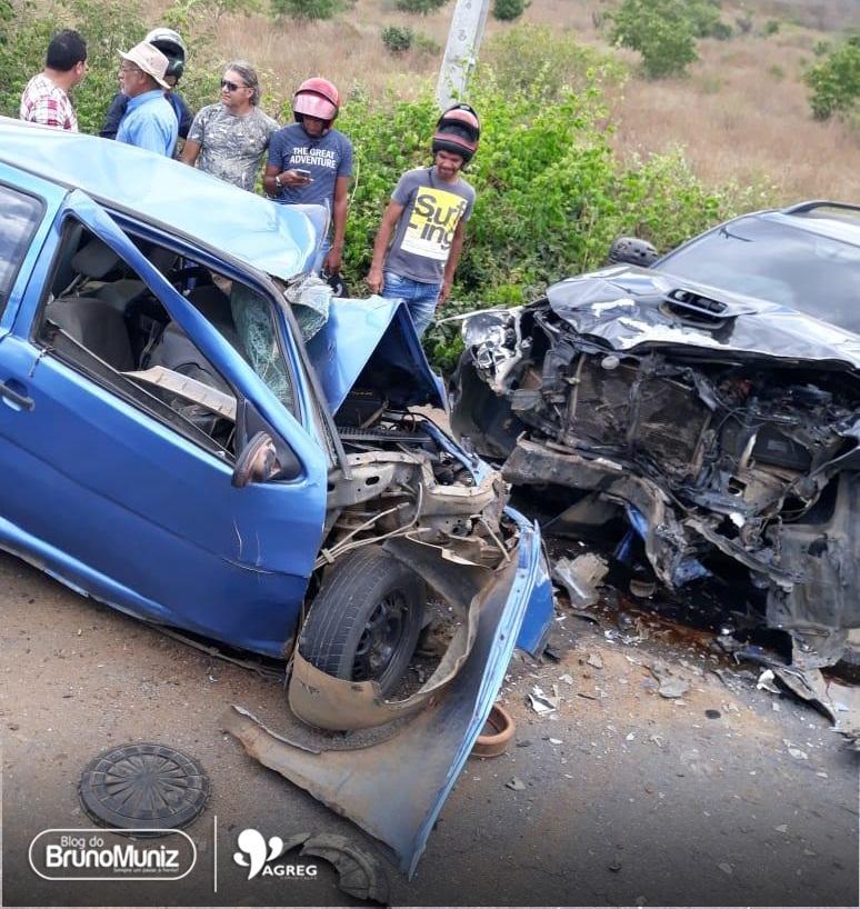 Grave acidente na PE-090 deixa uma pessoa morta, em Vertentes