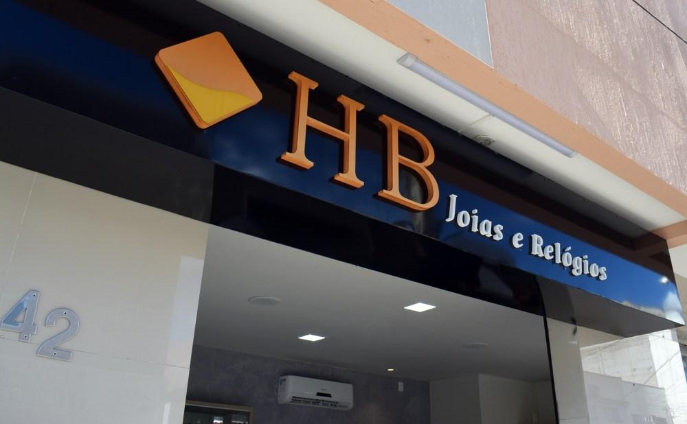 Blog Comércio – HB Joias e Relógios reinaugura unidade em novo espaço