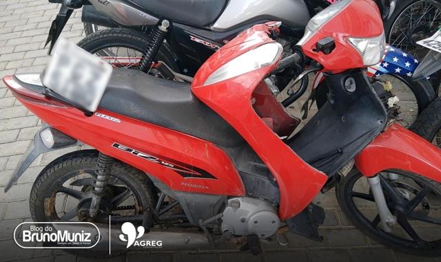 Dupla é detida com motocicleta roubada em Santa Cruz do Capibaribe