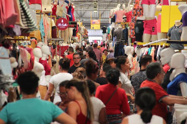 Moda Center registra boa movimentação de clientes nesta segunda-feira (10)