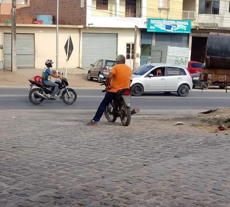 Em Toritama, vereador é flagrado cometendo infrações de trânsito
