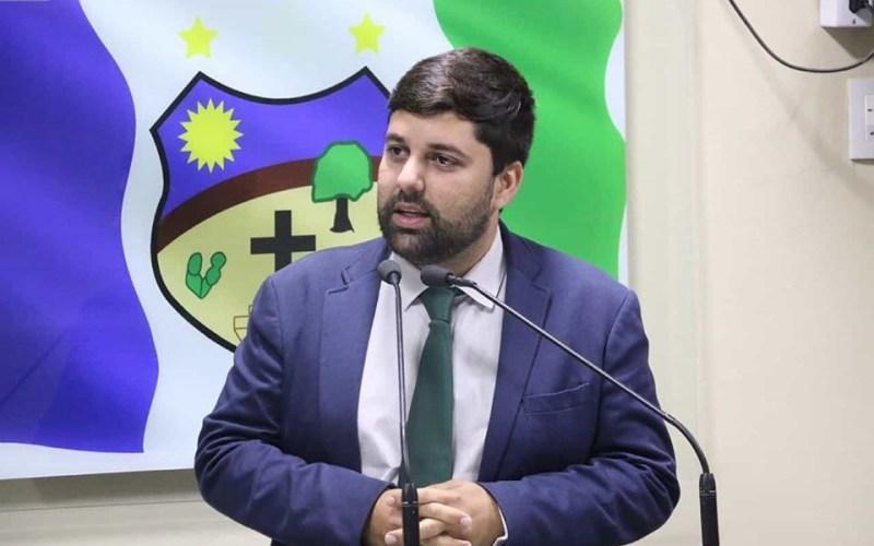 Em disurso, Pipoca diz que vereadores de oposição não apresentam ações
