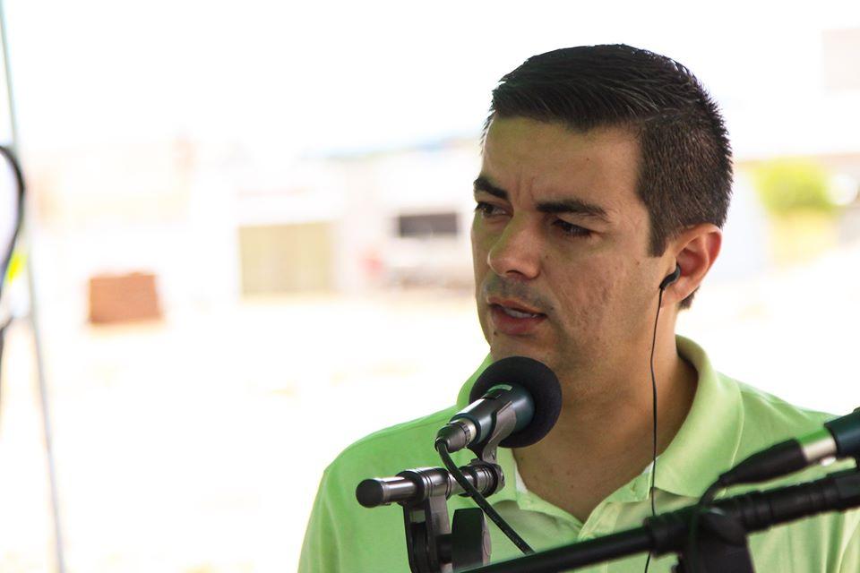 """No bairro Neco Aragão, Allan Carneiro critica oposicionistas e situacionistas: """"Velho jogo"""""""
