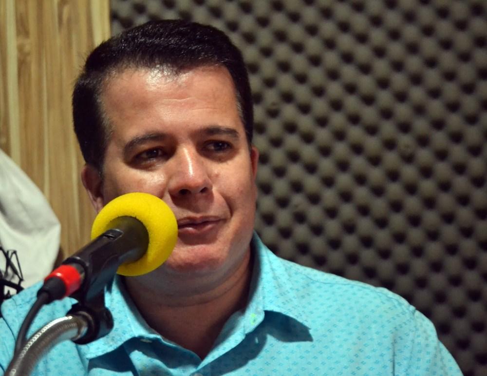 """""""As obras que nós anunciamos nós vamos fazer"""", diz Edson Vieira no """"A Hora do Povo"""""""