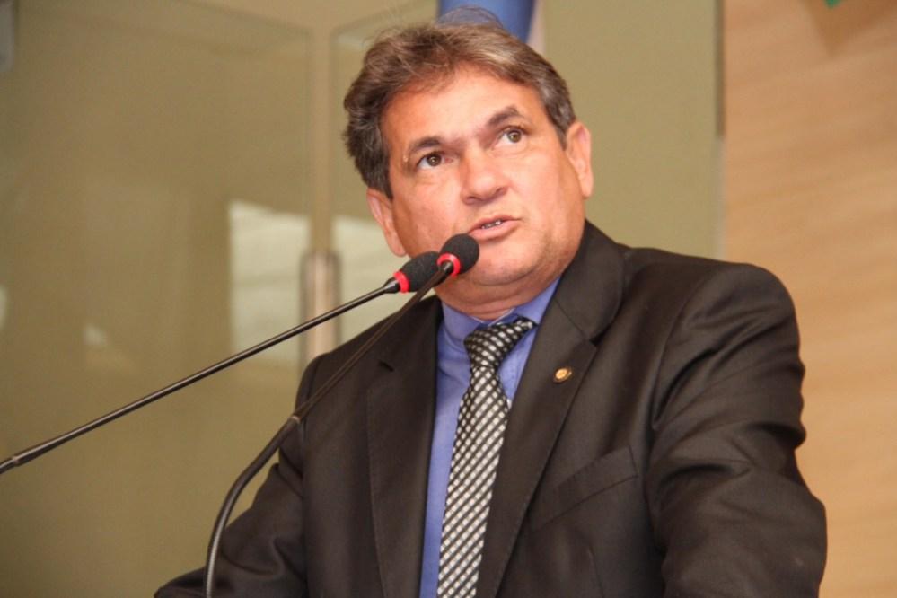 Coronavírus – Vereador do Recife doa parte do salário e pede para que políticos façam o mesmo