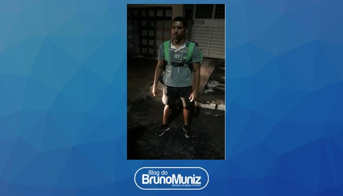 Entregador de comida faz delivery a pé em Caruaru e vídeo viraliza