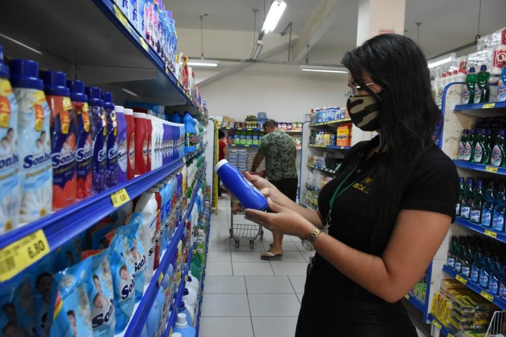 Procon de Santa Cruz do Capibaribe vistoria estabelecimentos comerciais para avaliar cumprimento dos decretos estaduais e municipais