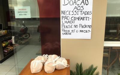 Em Santa Cruz do Capibaribe padaria oferece pães de graça para os mais necessitados