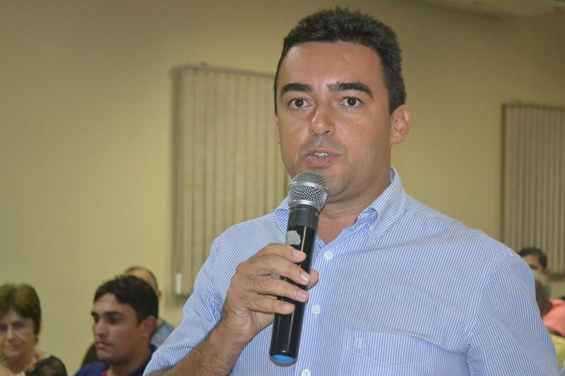 """Covid-19 – """"Já estou liberado"""", diz vereador Morica ao ser flagrado indo à banco"""