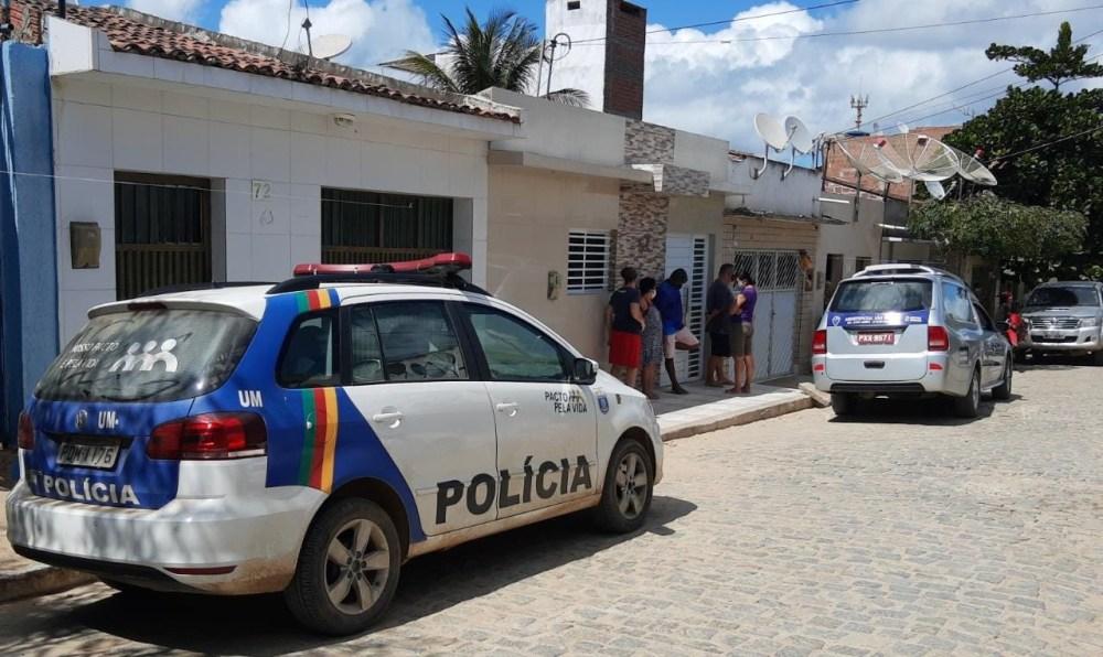Mulher é encontrada morta dentro de imóvel em Santa Cruz do Capibaribe