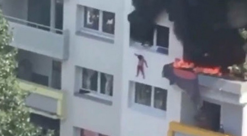 Duas crianças saltam de mais de 10 metros para escapar de incêndio na França