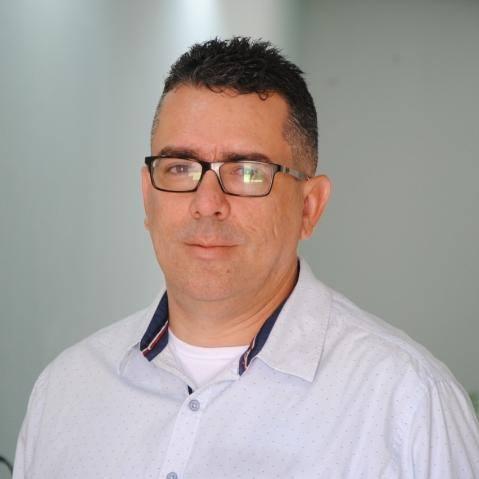 Radialista César Mello é diagnosticado com a Covid-19