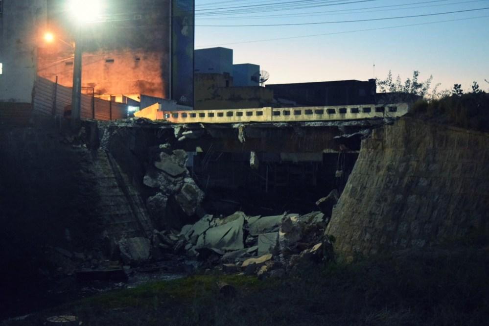 Santa Cruz do Capibaribe – Conhecida 'Ponte Velha' começa a ser demolida