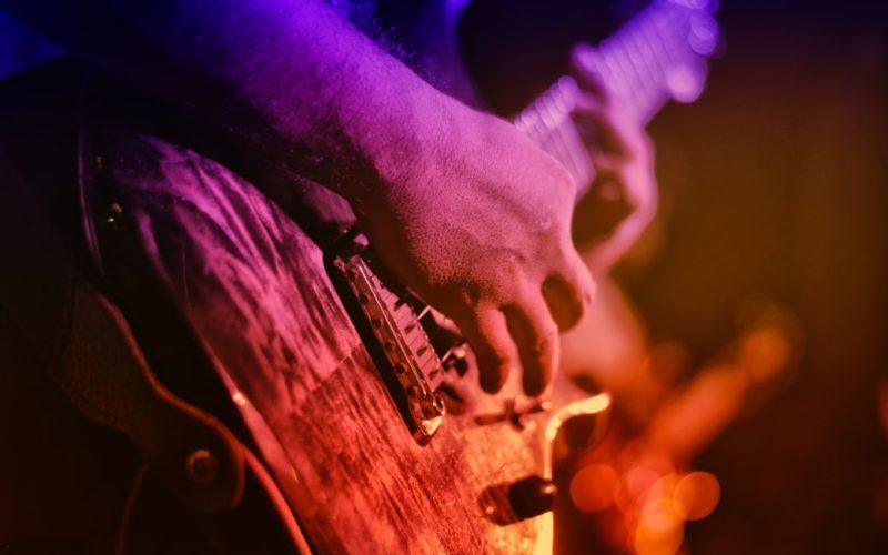 Governo de Pernambuco libera apresentações de músicos em restaurantes e bares
