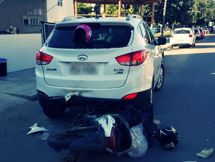 Grave acidente é registrado na Avenida Padre Zuzinha em Santa Cruz do Capibaribe