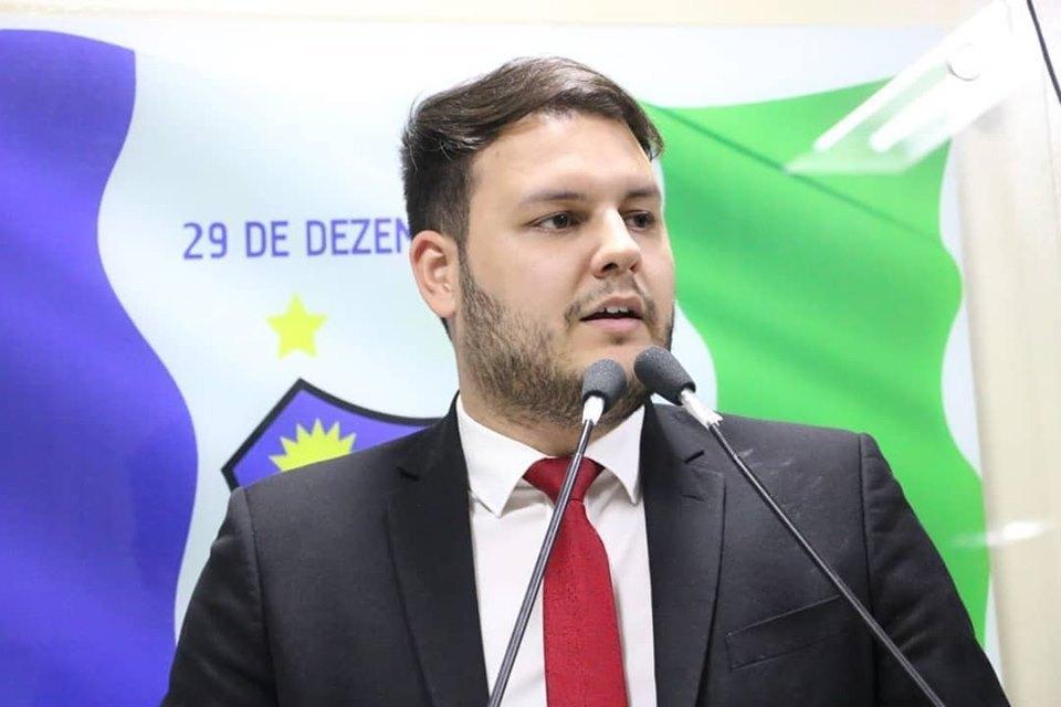 Vereador acusa prefeitura de favorecer Dida de Nan na entrega de UTI Móvel adquirida pela câmara